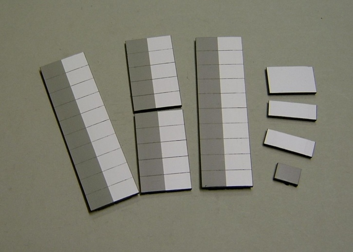 Satz Kippmagnete für Stundenplan, halb grau/ halb weiß