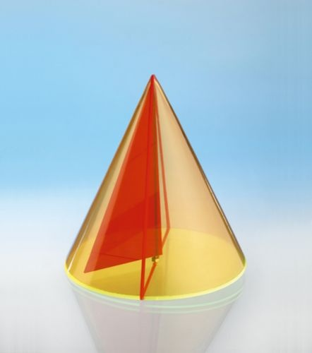Geometriekörper aus farbigem Acryl, Kegel