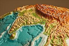 Reliefglobus, Dreidimensional, physisch, deutsch, mit Rollenständer