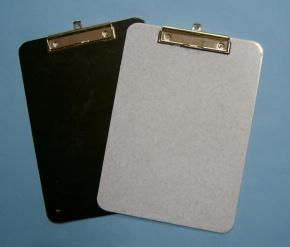 Schreibunterlage aus ABS Kunststoff,  DIN A4, mit Klemmvorrichtu