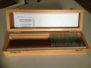 Gesteinsdünnschliffe Serie V, 22 Dauerpräparate