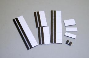 Satz Kippmagnete für Stundenplan, schwarz mit Streifen / weiß