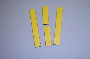Satz Kippmagnete für Zusatzpläne, gelb mit Streifen