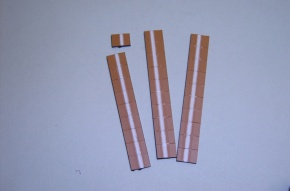 Satz Kippmagnete für Zusatzpläne, braun mit Streifen